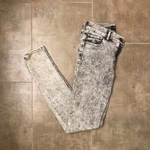Express Gray Acid Wash Skinny Jeans